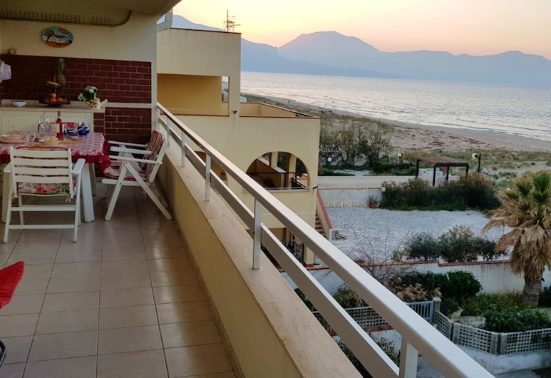 Apartment With 2 Bedrooms in Alcamo Marina, With Wonderful sea View, Furnished Terrace and Wifi - 10 m From the Beach, Alcamo, Terrace/Patio