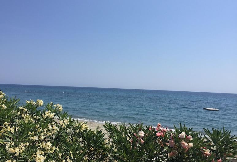菲奧里馬爾住宅酒店, 聖尼古拉, 海灘