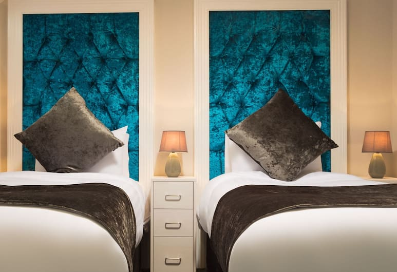 Temple Bar Lane by the KeyCollections, Dublin, Twin Room, 2 Twin Beds, Guest Room