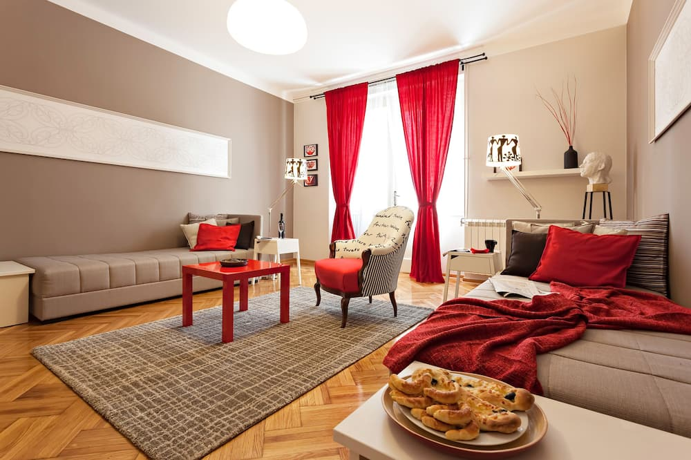 Standard Apartment, City View - Living Area