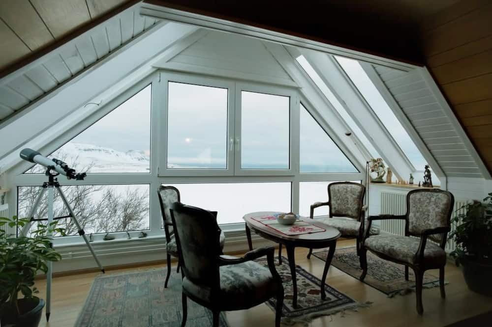 Villa, 6 Bedrooms - Guest Room