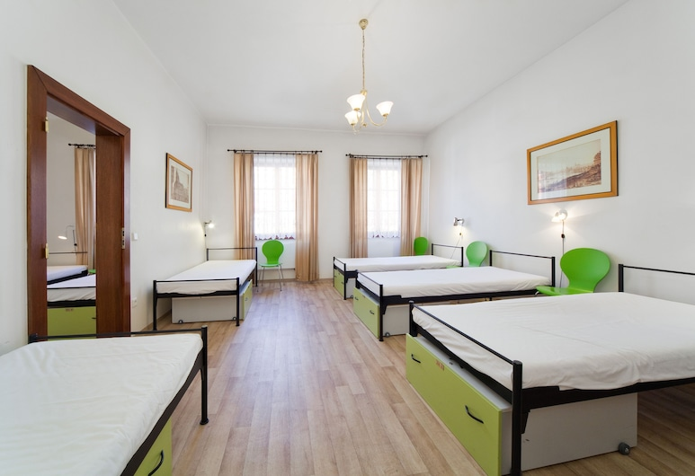 Little Quarter Hostel and Hotel, Praga, Dormitório compartilhado (1 bed in 6-bed dormitory), Quarto