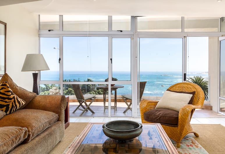 Balie Bay 1 - Adults Only, Cape Town, Premier Apartment, 1 Queen Bed, Ocean View, Living Area