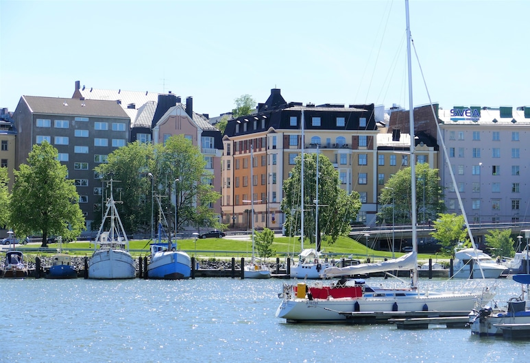 Kruna by the Sea, Helsinki, Front of property