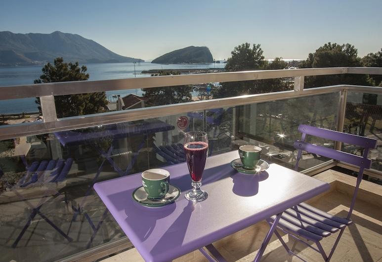 Fontana Hotel & Gastronomy, Budva, Suite, Sea View, Balcony