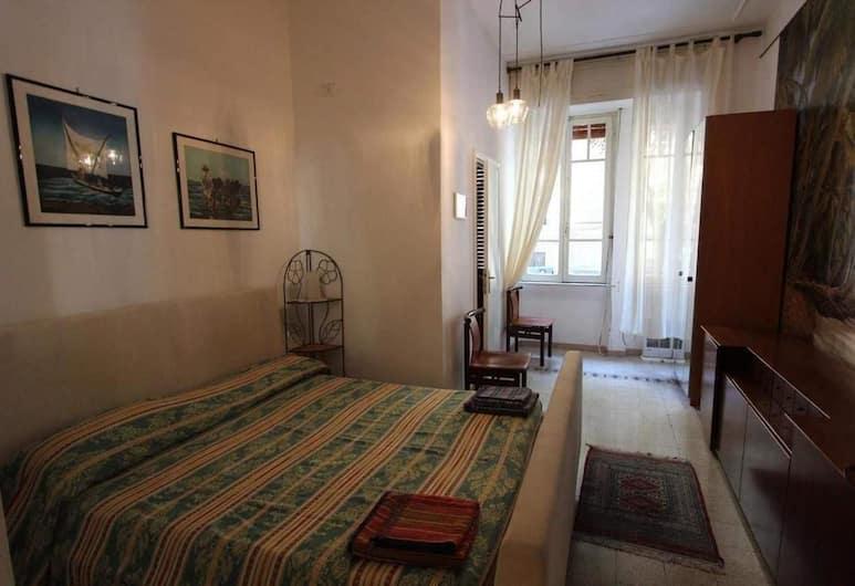 Da Alessia per dormire, Róma, Szoba kétszemélyes ággyal, Vendégszoba