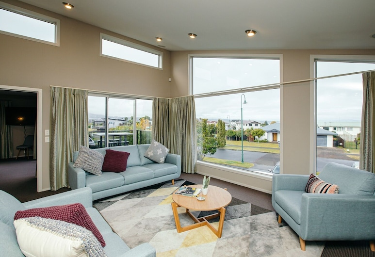 LakeEscape, Taupo, House, 4 Bedrooms, Living Area
