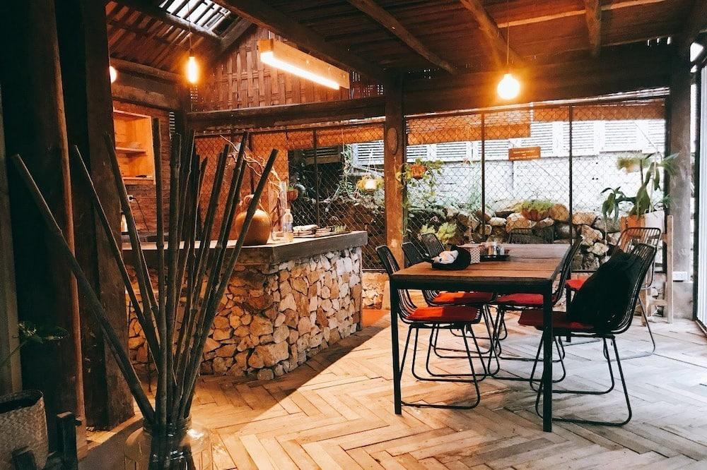 Design ház, kilátással a kertre (1) - Nappali rész