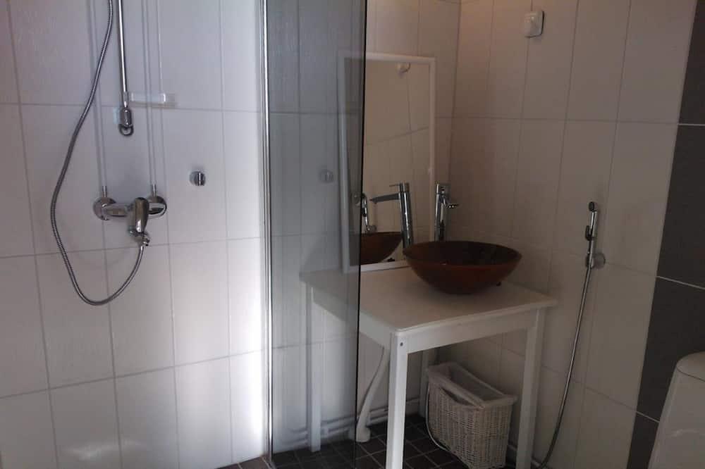 雙人或雙床房, 共用浴室 - 浴室