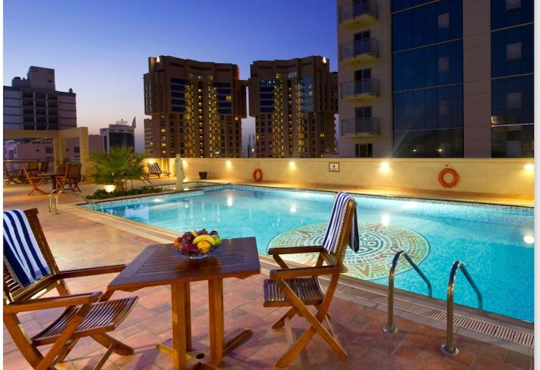Excelsior Luxury Apartments, Manama, Piscina al aire libre