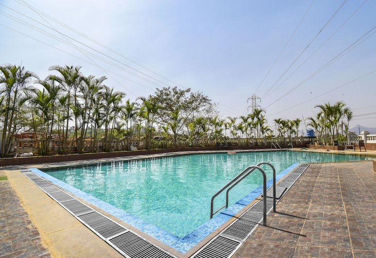 FabHotel Rishivan, Khalapur, Pool