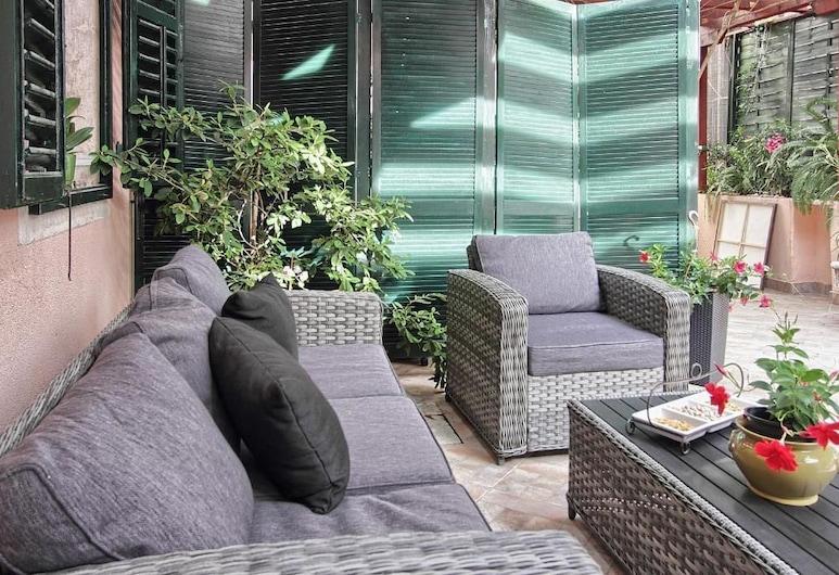 Apartmani Banovac, Дубровник, Апартаменты «Комфорт», вид на внутренний двор (1), Терраса/ патио