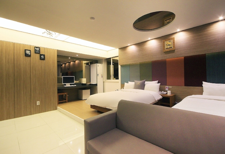 H Drive Hotel, Iksan, Business Twin Room - Styler in room, Smoking/Non smoking will be assigned upon check-in, Guest Room
