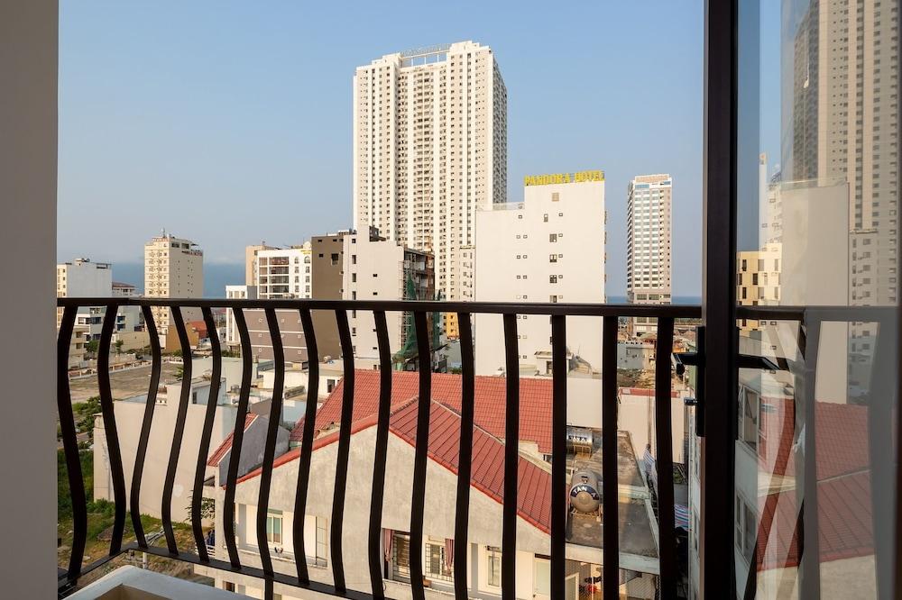 Triple Apartment & Hotel