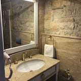 Superior Δίκλινο Δωμάτιο (Double), Θέα στην Πόλη - Μπάνιο