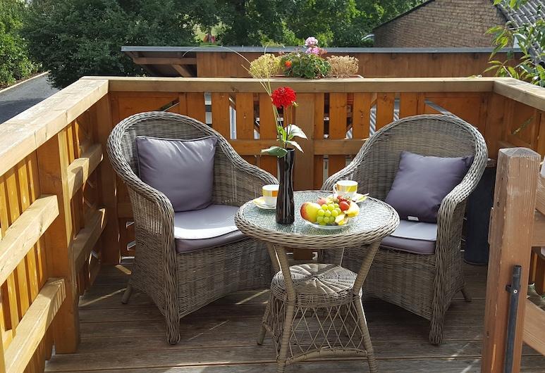 Ferienwohnungen Villa Waldblick, Zempin, Basic apartman, pogled na vrt (II), Balkon