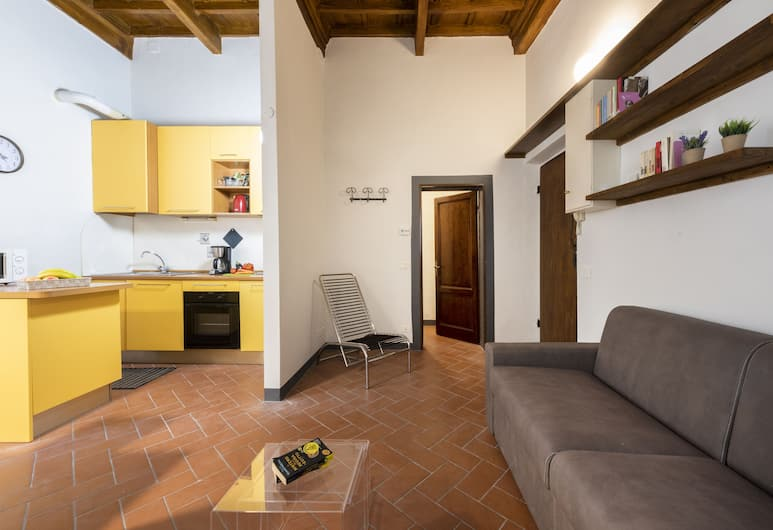 Romantica - Bright one bedroom apartment, the most central location, Florence
