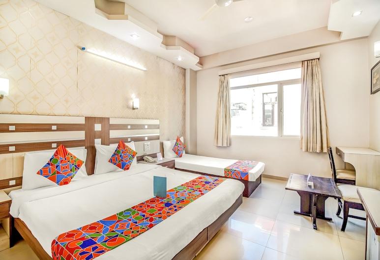 FabHotel Rockwell Plaza, New Delhi, Premium Room, 1 King Bed, Guest Room