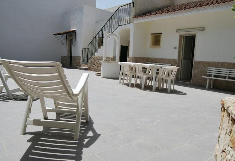 Villa Marisa, Ugento, Villa - 4 soveværelser, Terrasse/patio