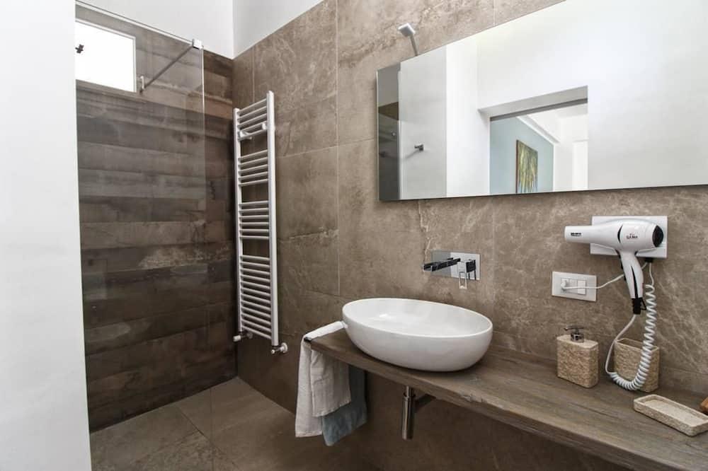 ห้องซูพีเรียดับเบิล, ระเบียง - ห้องน้ำ