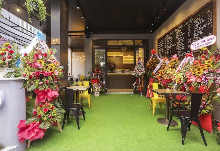 魯斯特咖啡宿舍及開放式客房, 峴港, 櫃台