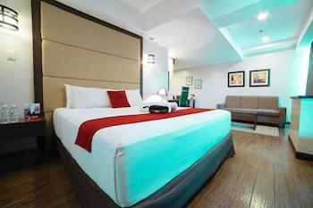 Picture of RedDoorz Premium @ West Avenue Quezon City in Quezon City