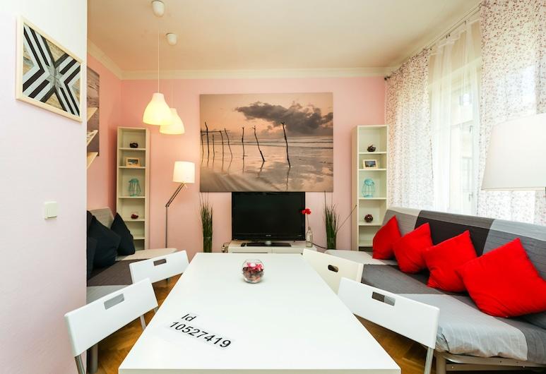 Apartment on Sivtsev Vrazhek, Moskva, Lejlighed - 2 soveværelser, Opholdsområde