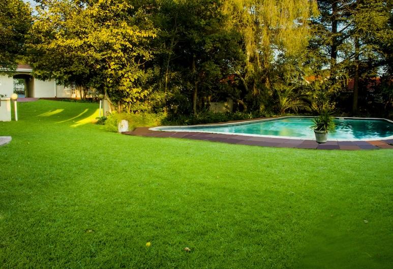 Four Seasons Lehae Guest House, Sandton, Vonkajší bazén