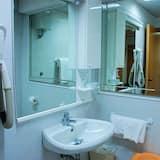 Basic Single Room, Sea View - Bathroom
