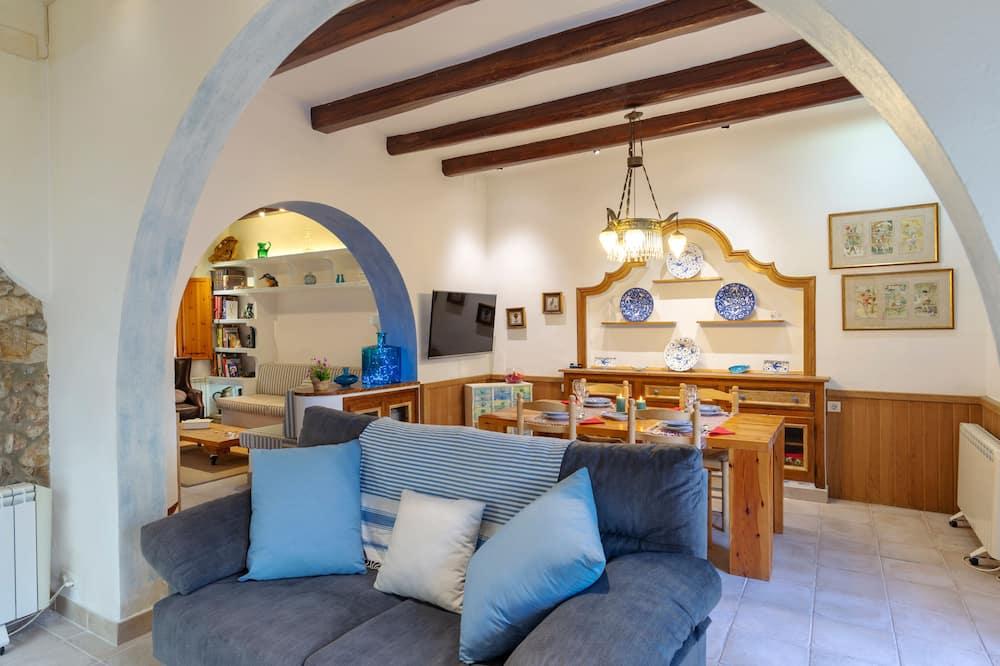 Nhà, 4 phòng ngủ - Khu phòng khách