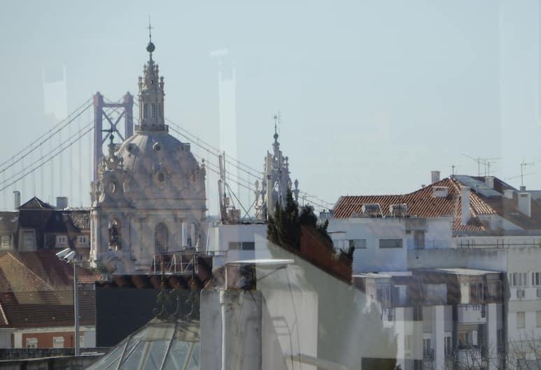 LV Premier Amoreiras - AM, Lizbona, Apartament, 1 sypialnia, taras, widok na rzekę, Widok zpokoju