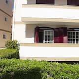 Dzīvokļnumurs, viena guļamistaba, balkons, skats uz dārzu - Balkons