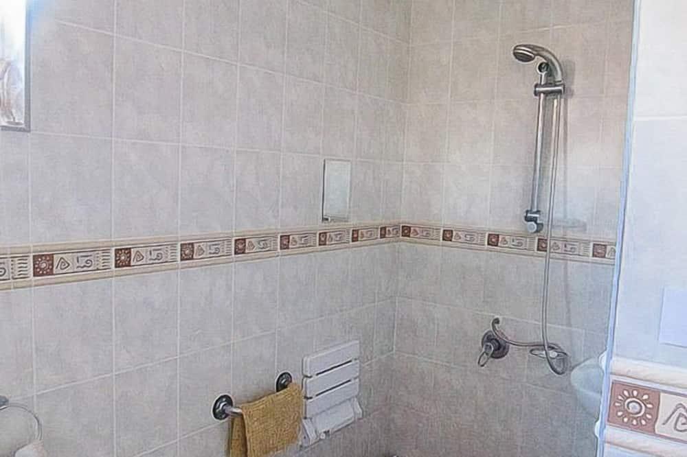 Dvojlôžková izba, 2 jednolôžka, nefajčiarska izba - Kúpeľňa