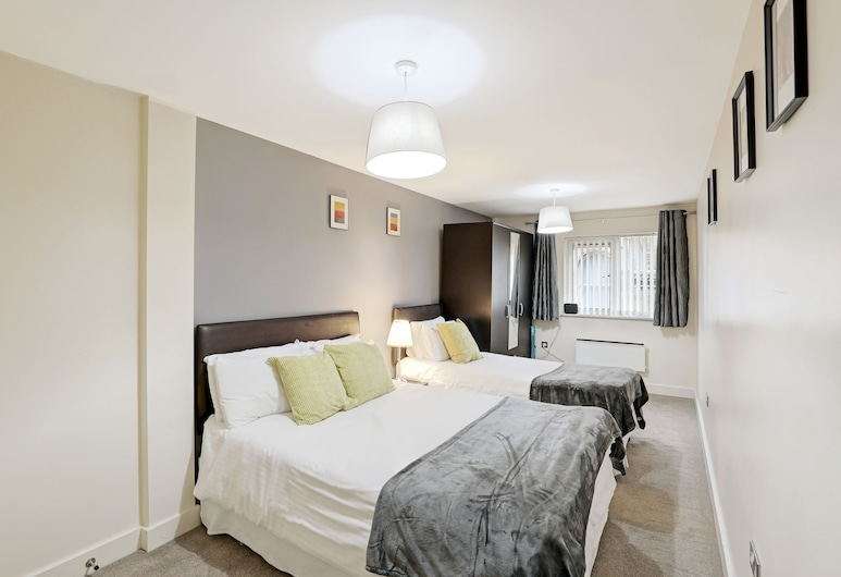 UR STAY Apartments Leicester, Leicester, Family Apartment, Multiple Beds, Room