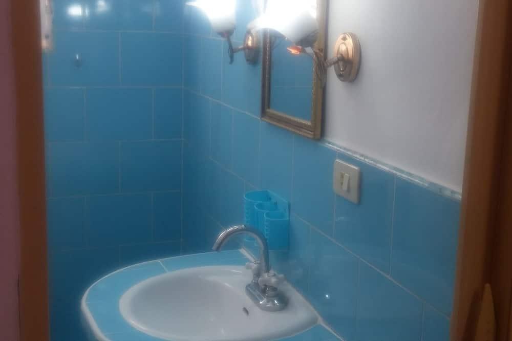 Lägenhet Economy - 1 sovrum - privat badrum - torn - Badrum
