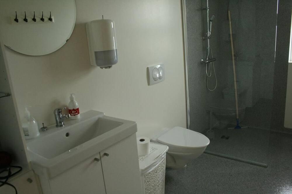Pokój dwuosobowy z 1 lub 2 łóżkami, wspólna łazienka - Łazienka