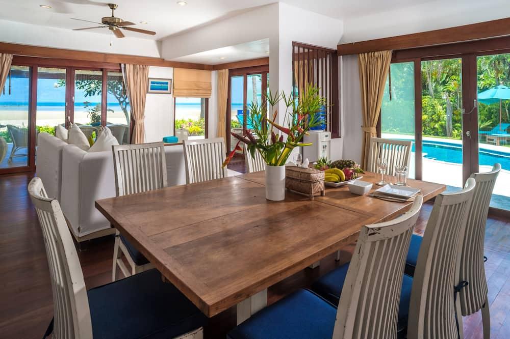 Baan Chaai Haat (1 Bedroom) - Tempat Makan dalam Bilik