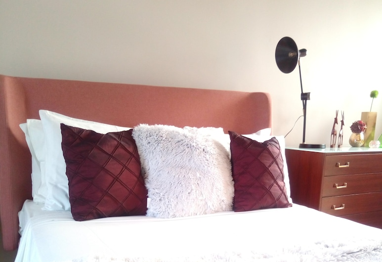 Squadron Base, Luqa, Design Room, 1 King Bed, Guest Room