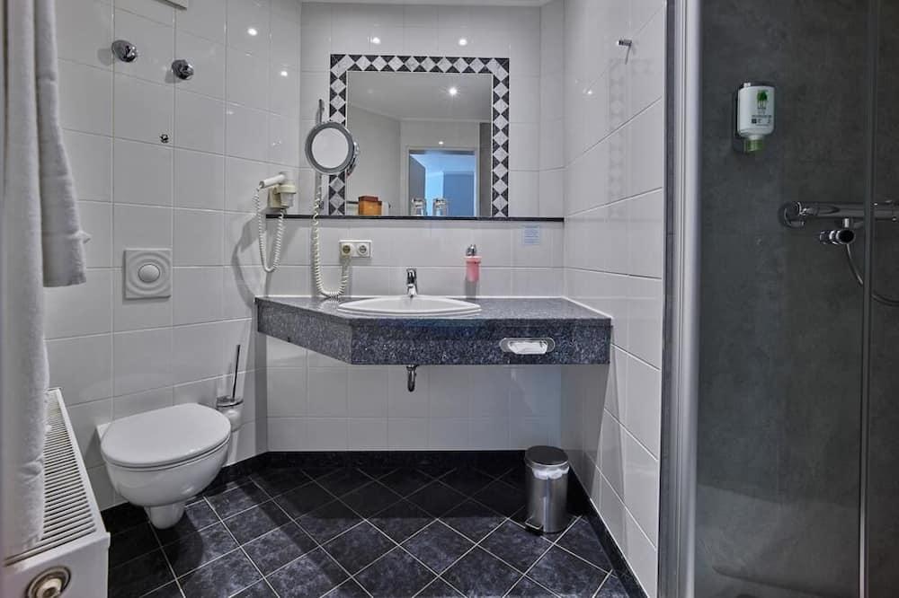 Phòng đôi Tiêu chuẩn, 1 giường đôi - Phòng tắm