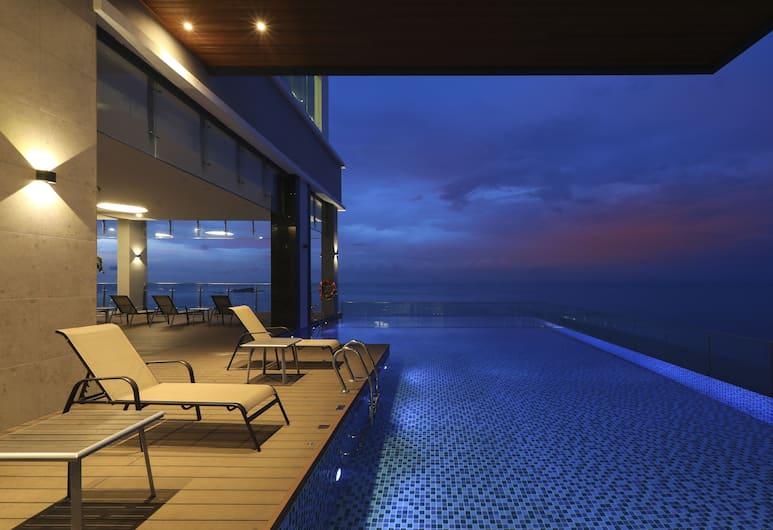 Hompton by the Beach Penang, George Town, Pool
