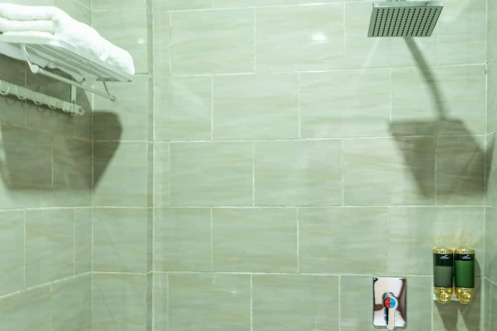 Phòng đôi Deluxe, 1 giường đôi - Phòng tắm