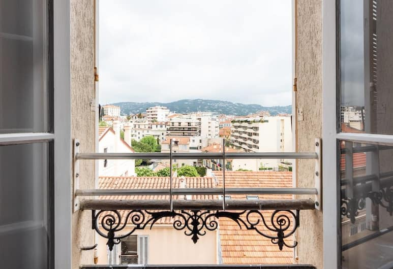 Beautiful Modern Apartment for 6 People in Cannes!, Cannes, Balcony