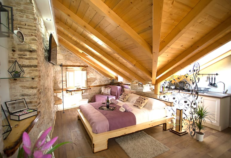 L U X E Collection, Split, Luxury-Loft, 1King-Bett, Stadtblick, Zimmer