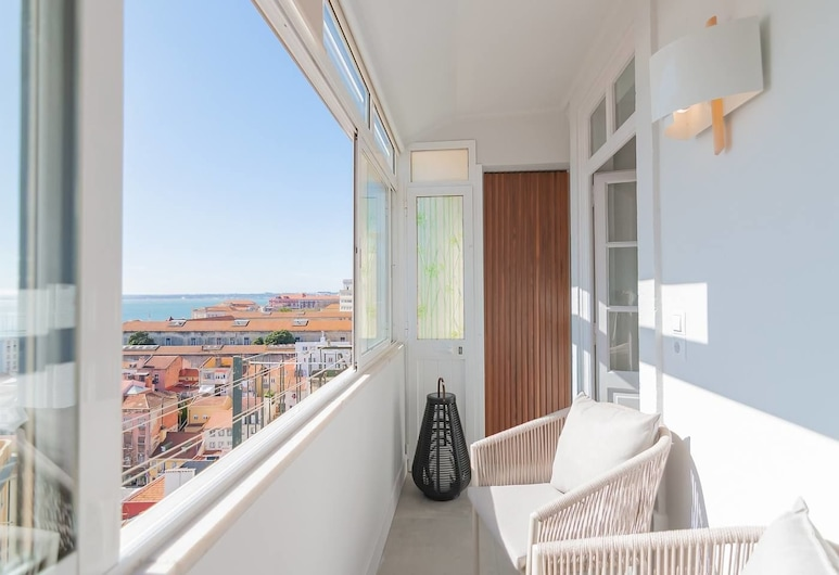 Fascinating 2 Bedroom Apartment With River View, Lissabon, Balkon