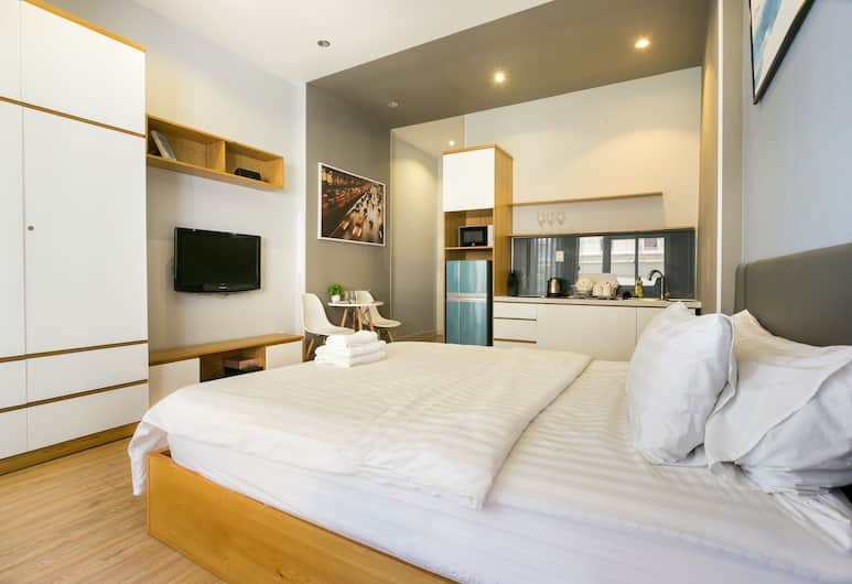 Amanda Phan 2 - Sai Gon, Ho Chi Minh City, Deluxe Studio, 1 Queen Bed, Refrigerator & Microwave, Living Area