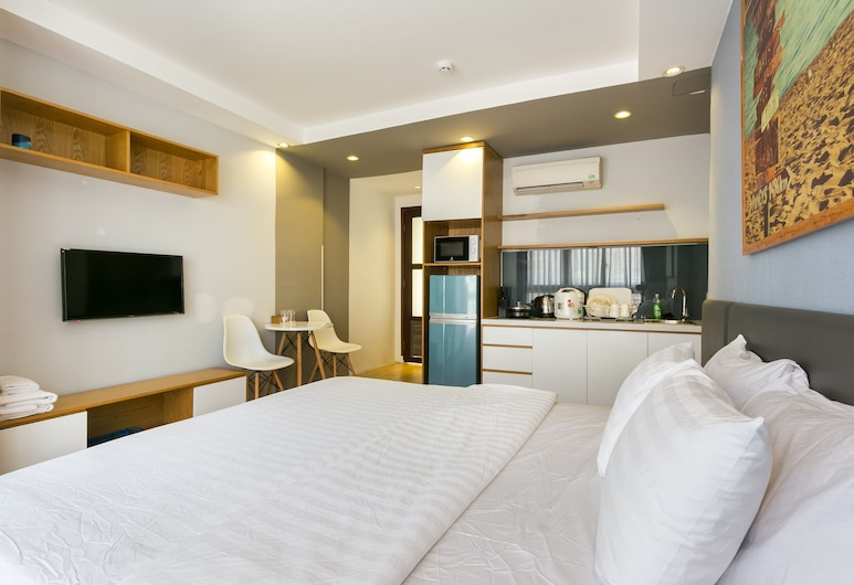 Amanda Phan 2 - Sai Gon, Ho Chi Minh City, Deluxe Studio, 1 Queen Bed, Refrigerator & Microwave, Living Area