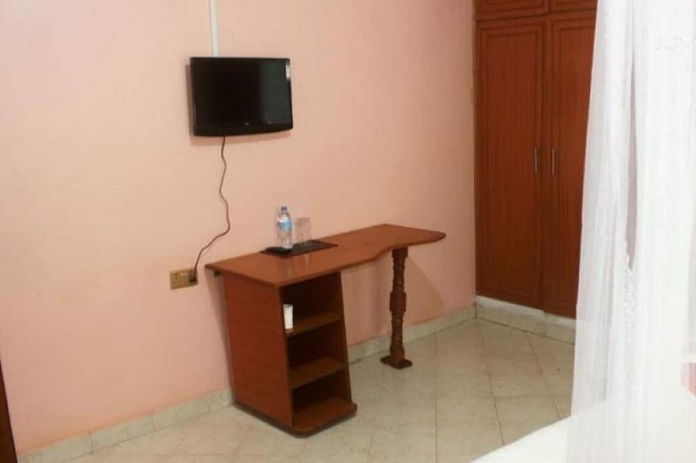 Paaugstināta komforta divvietīgs numurs - Televizors