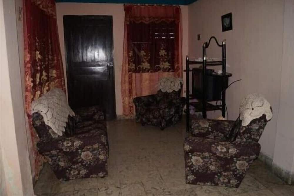 Double Room, 1 Large Twin Bed - Living Area