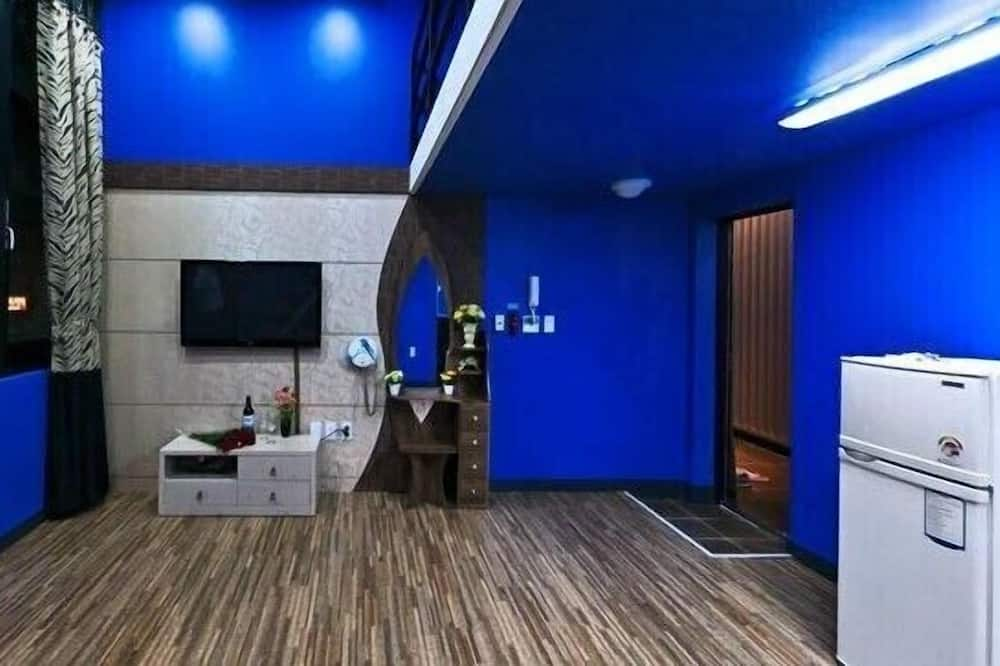 Room (Special, #202, Blue) - Guest Room