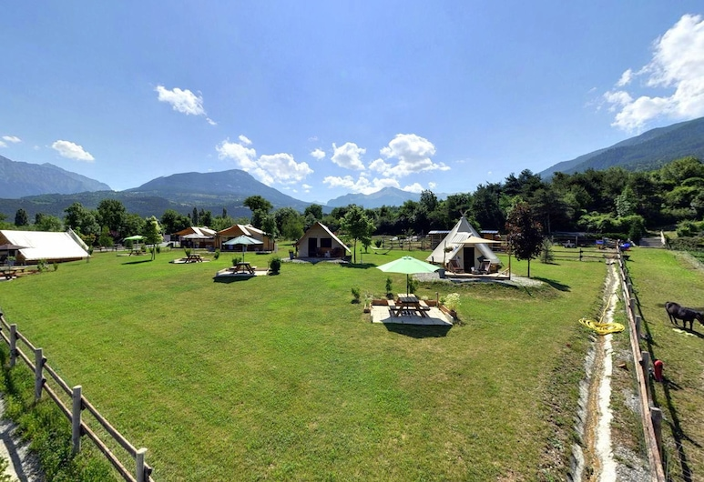 Camping la ferme Décou'Verte, Baratier, Property Grounds